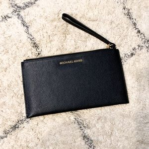 Michael Kors || Jet Set Black Wristlet Clutch